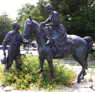 Glen Rose, Texas - Image: Barnards statue in Glen Rose