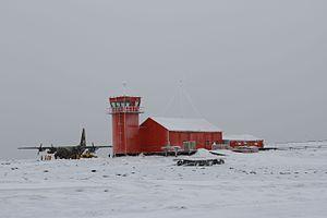 Marambio Base - Argentine C-130 and control tower, Marambio airstrip