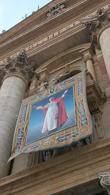 Tapestry of Paul VI on the occasion of his beatification on 19 October 2014. Beatification of Paul VI.jpg