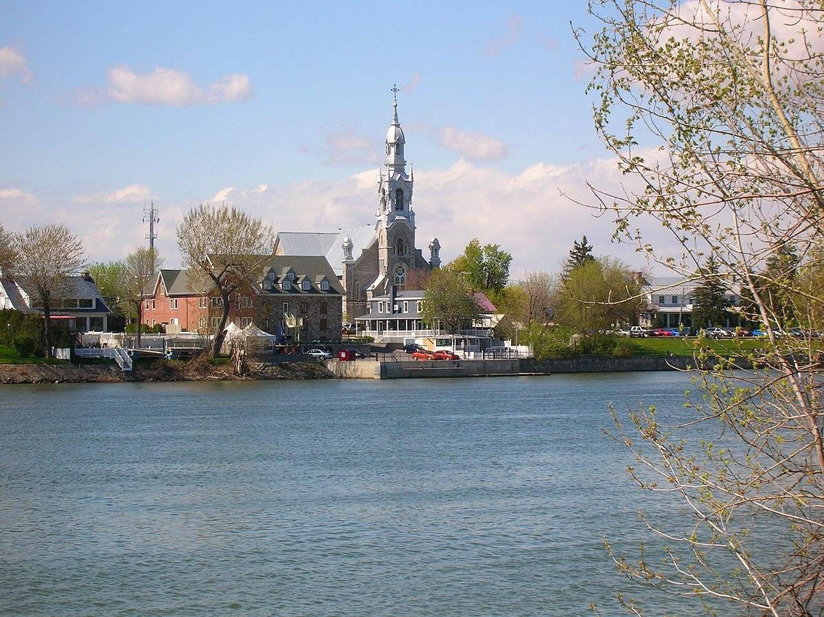 Hamilton De Ville
