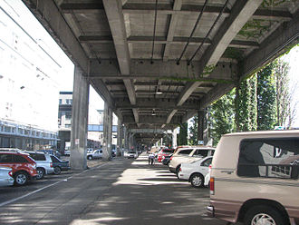 Alaskan Way Viaduct - Image: Beneath the Alaskan Way Viaduct