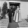 Bezoek Koning Olav van Noorwegen, Koning Olav bij het verlaten kapel op Rozenbur, Bestanddeelnr 916-8693.jpg