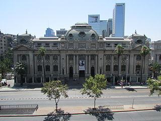 Biblioteca Nacional de Chile The national library of Chile