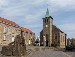 Blankenstein - Image: Blankenstein, die katholische Kirche Sankt Johann Baptist Dm A154 foto 10 2015 04 19 13.45