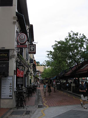 Boat Quay - Since the 1990s, Boat Quay has been transformed into a pedestrian mall with restaurants, pubs, cafes and clubs.