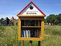 Boekenruilkastje Vlindertuin Kuurne.jpg