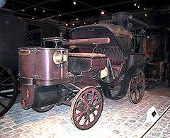 Premières voitures : La Mancelle 1878 (source wikipedia)