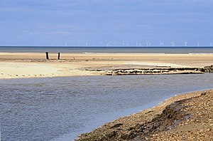 English: View north from the Norfolk coast nea...