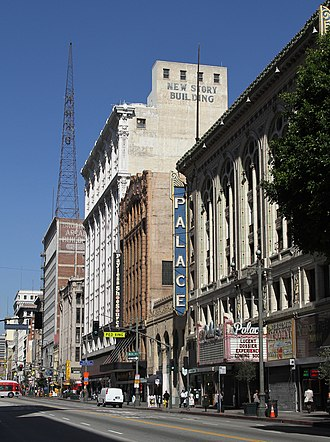 Broadway Theater District (Los Angeles) - Broadway Theater District streetscape
