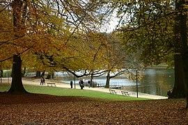 Brusel, Bois de la Cambre, jezero.jpg