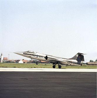 Taktisches Luftwaffengeschwader 74 - Image: Bundesarchiv B 145 Bild F027408 0008, Flugzeug F 104 Starfighter, JG 74