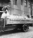Bundesarchiv B 145 Bild-P016207, Ostpreußen, Verladen von Tilsiter Käse.jpg