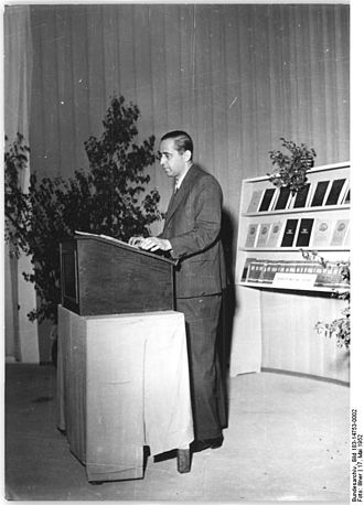 Georg Maurer - Georg Maurer speaking in Leipzig in 1952