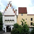 Burg Gruenwald Eingangstor.jpg