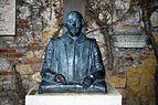 Busts of William Shakespeare in Tomba di Giulietta (Verona).jpg