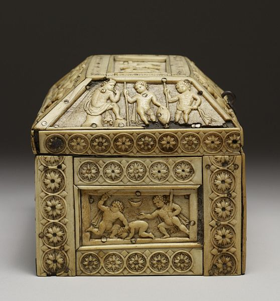 File:Byzantine - Casket with Images of Cupids - Walters 71298 - Right Side.jpg