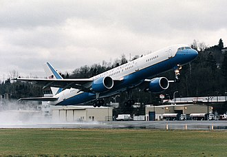 Boeing C-32 - A C-32 taking off