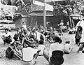 COLLECTIE TROPENMUSEUM Een samenkomst op een kruispunt van wegen op Bali TMnr 10002916.jpg