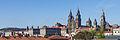 Catedral e parte traseira do Pazo de Raxoi. Santiago de Compostela. Galiza 2013.jpg