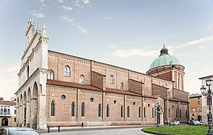 Vicenza Cathedral - The cathedral seen from Piazza del Domo
