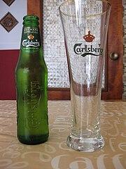 Cervexa Carlsberb botella e vaso