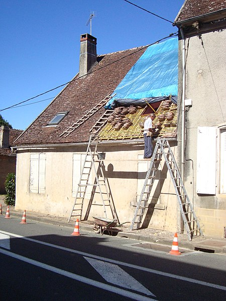 Champlemy Main Street - Roofing