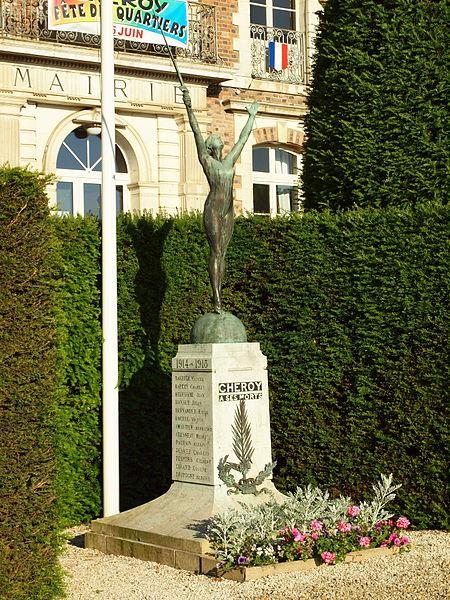Monument aux morts de Chéroy (Yonne, France); il se trouve devant la mairie.