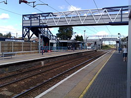 Cheshunt station 2008.jpg