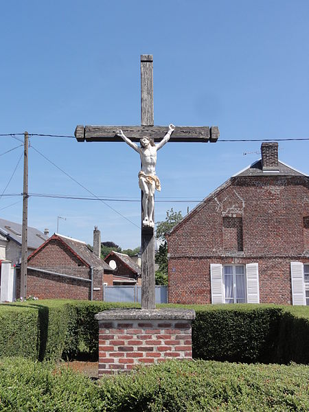 Chevresis-Monceau (Aisne) croix de chemin