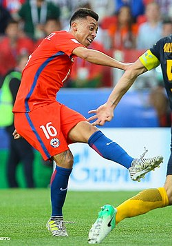 Chile VS. Australia (2) (cropped).jpg