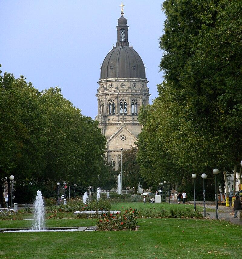 Christuskirche in Mainz.jpg