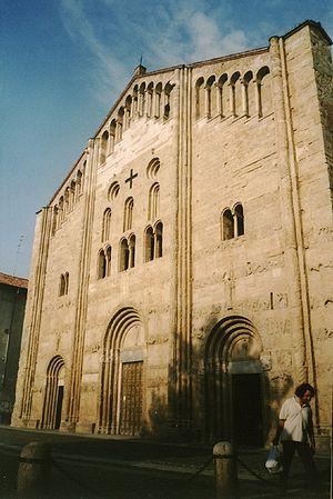San Michele Maggiore, Pavia - Façade.