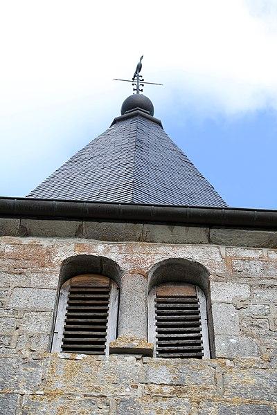 Clocher de l'église de Mont-sur-Lison à Courcelles-les-Quingey (Doubs).
