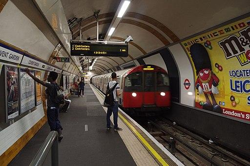 Covent Garden tube station MMB 03 1973-Stock