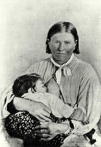 Quanah Parker - Cynthia Ann Parker and her daughter, Topʉsana (Prairie Flower), in 1861