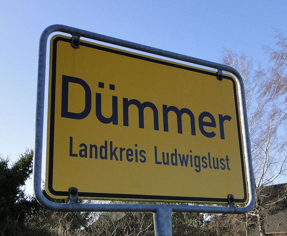 File:Dümmer Ortsschild 2012-02-15 020.JPG - Wikimedia Commons