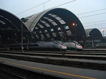 DSC02044 Uscita Stazione centrale di Milano - Foto Giovanni Dall'Orto 1-1-2007.jpg