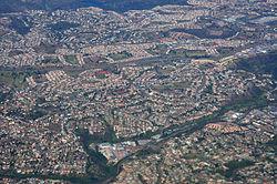 Blick auf ein Wohnviertel Durbans aus der Luft
