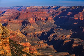 Dawn on the S rim of the Grand Canyon (8645178272).jpg