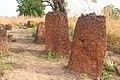 De stenen van het Wassu monument zijn erg zwaar in Gambia.jpg