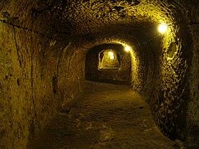 [Image: 280px-Derinkuyu_Underground_City.JPG]