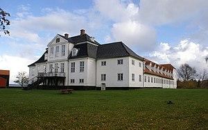 Hellebækgård - The building viewed from the garden
