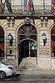 Dijon Hotel de la cloche porte.jpg
