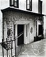 Doorway, 16-18 Charles Street, Manhattan (NYPL b13668355-482652).jpg