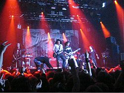 I DragonForce durante un concerto al Finnish Metal Expo del 2007