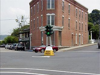 "Canajoharie (village), New York - The historic ""dummy light"" in downtown Canajoharie, New York."