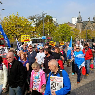 Politics of Dundee - Pro-independence demonstrators in Dundee