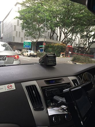 Electronic Road Pricing - An IU installed in a Comfort Taxi-managed Hyundai Sonata CRDI.