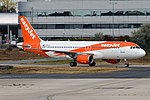 EasyJet, G-EZTA, Airbus A320-214 (44361814135).jpg