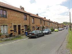 Effry (Aisne) cité ouvrière.JPG